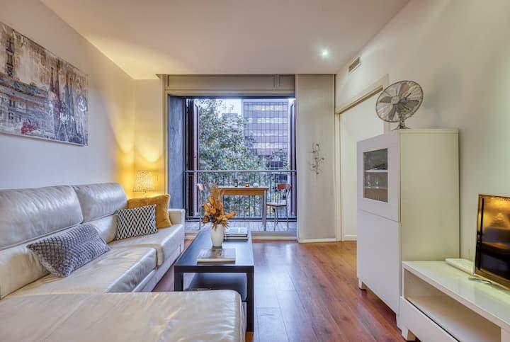 Habitación doble exterior con baño privado y TV