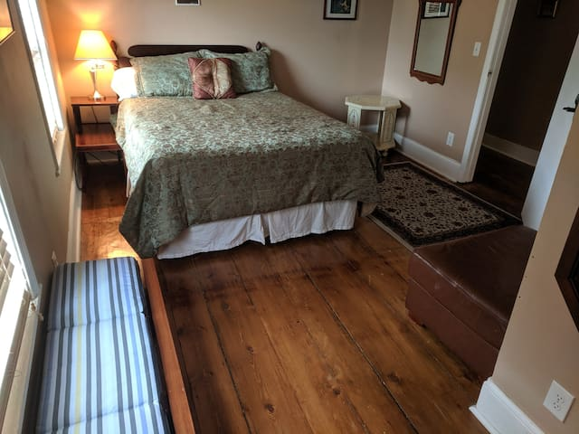 Spacious bedroom in upstairs apt, Victorian House.
