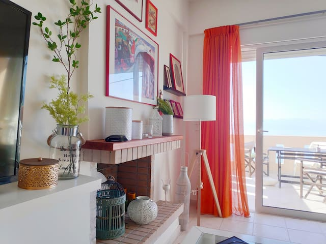Cozy Beach house in Peloponnese great sunset view
