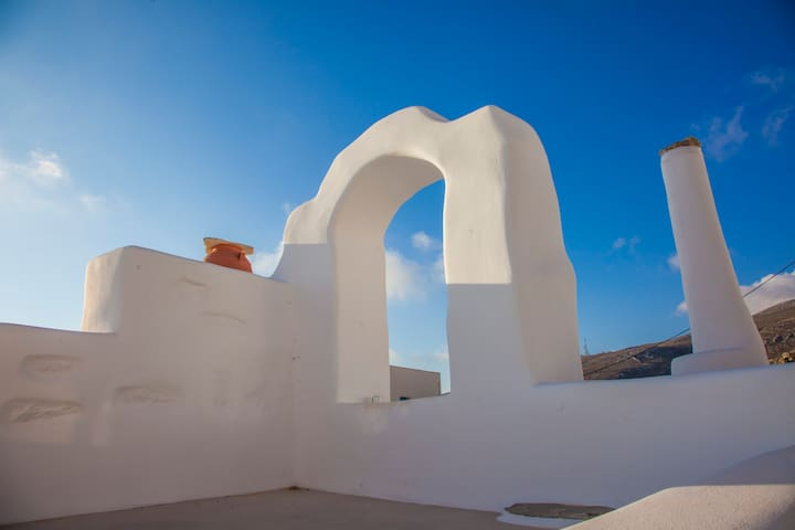 Tsalikis- traditional stone house in Chora Amorgos