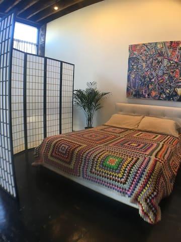 Bright clean artist studio loft! - Chicago - Loft