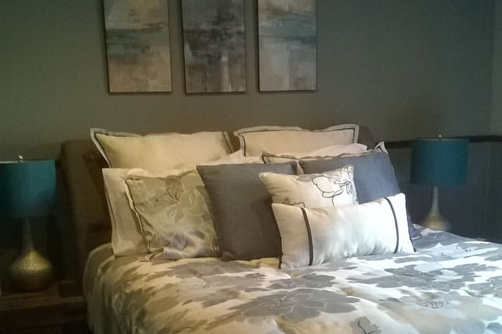 The Well Made Bed and Breakfast- The Romance Room