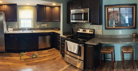 COZY❤️Central location to DTW/Downtown/GC hospital