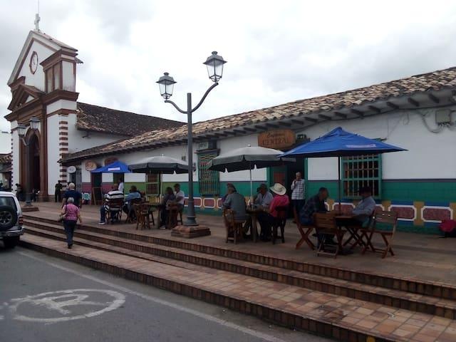 Habitación acogedora (San Antonio de Pereira)