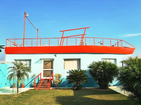 Boathouse - A luxurious stay with punjabi flavour
