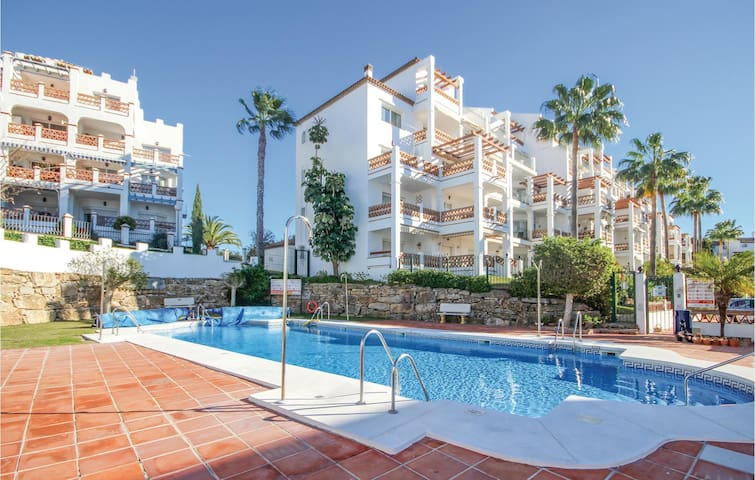 Holiday apartment with 2 bedrooms on 77 m² in Mijas