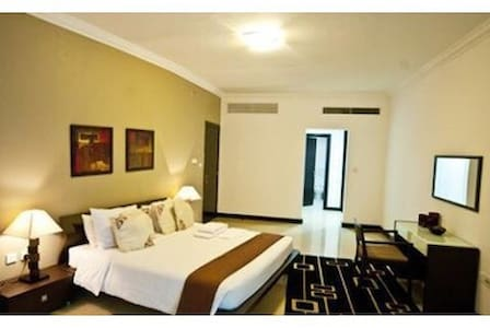 Room in the heart of Westbay - Doha - Apartment