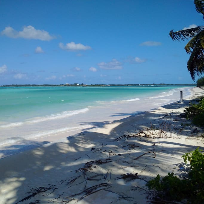 Howard beach house on the beach houses for rent in bs for Beach houses for rent in bahamas