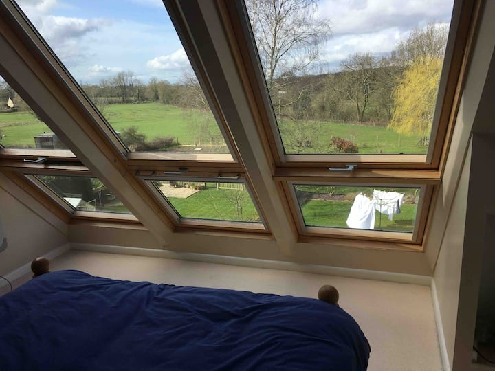 Beautiful attic room double bedroom, private WC