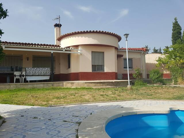 Casa situada en el campo. - Les Gunyoles - Hus