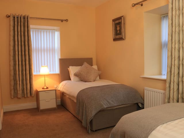 Twin Deluxe Ensuite - Sleeps 2
