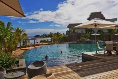 Top 20 vakantiehuizen grande riviere noire for Club piscine west island