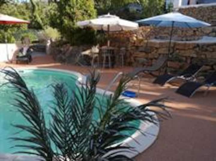 Rez-de-jardin avec piscine Flassans sur Issole/Var