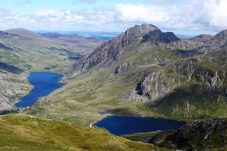 Prime Location for Walkers, Mountain Bikers & Dogs