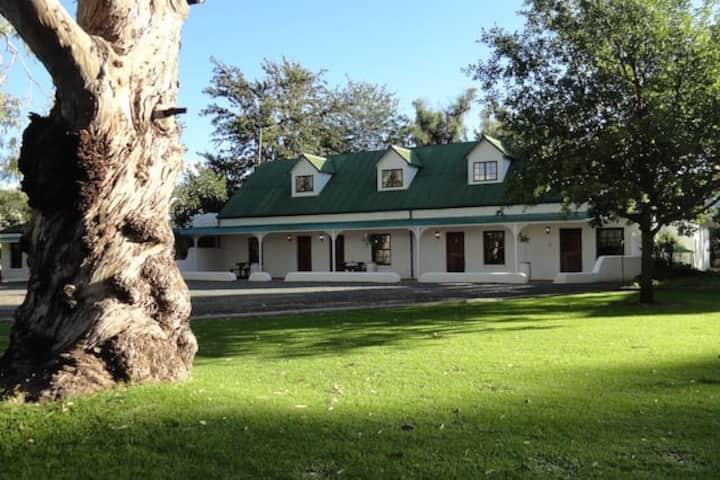 Toll Inn Guest Farm Room 2