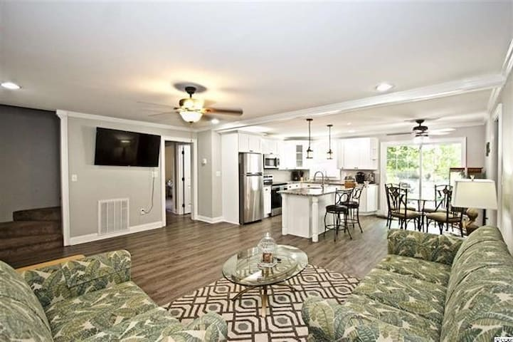 Charming Family Friendly Beach Home With Golf Cart