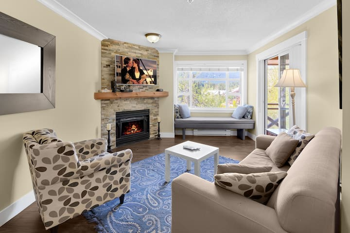 Charming unit in Whistler Village Marketplace