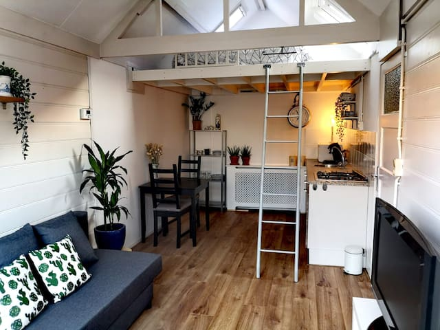 Tiny house 300m from the beach @ Noordwijk aan Zee