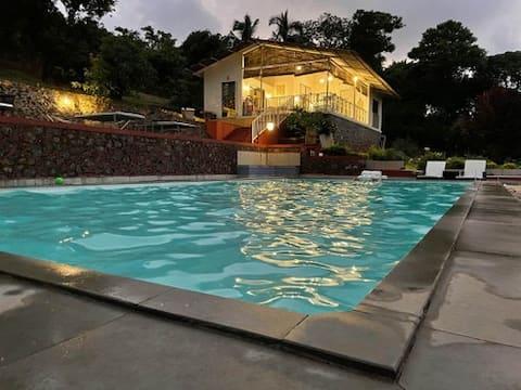 The Maya - 2 bhk cottage with pool - sleeps 4