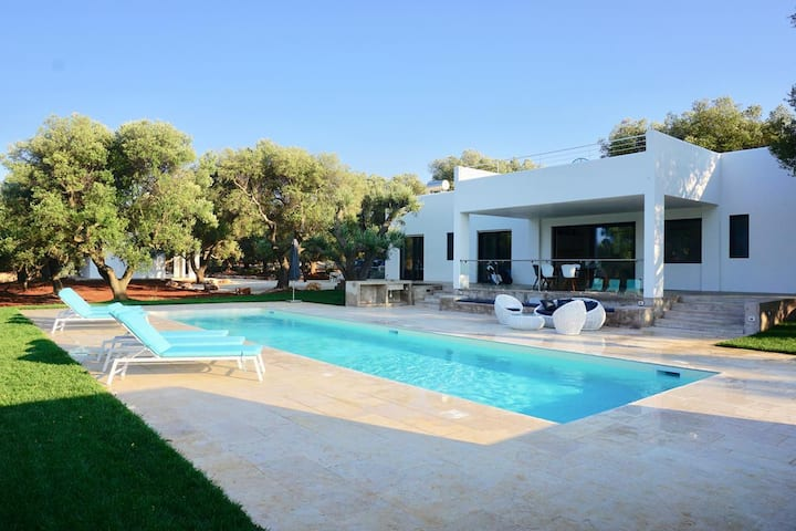 VILLA BOTTE | Luxury sea view villa Puglia