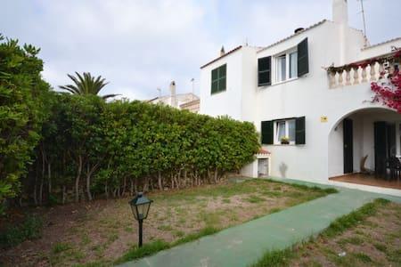 Chalet acojedor ideal ubicacion,playa y ciudad. - Ciutadella de Menorca - 牧人小屋