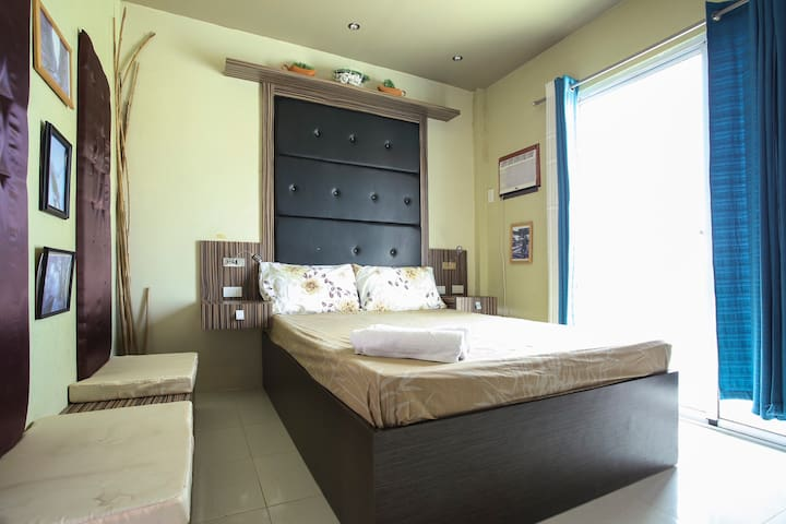 Tagaytay Garden Home - 3BR for Groups!