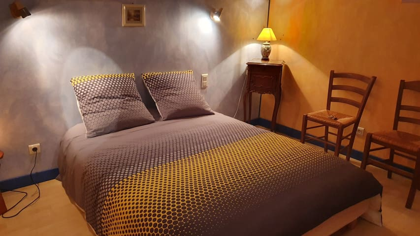 Logement entier de 85 m2 indépendant dans maison