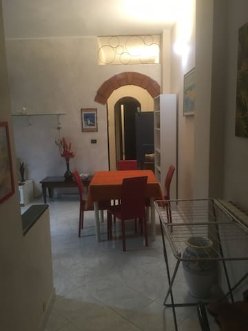4 guests Apartment in Sarzana. - Sarzana - Apartemen