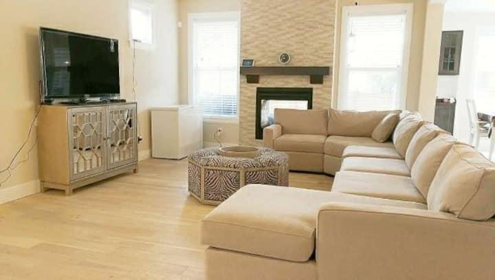 1豪华温馨浪漫的新房间,是商务出差,度蜜月,来美探亲的浪漫选择。