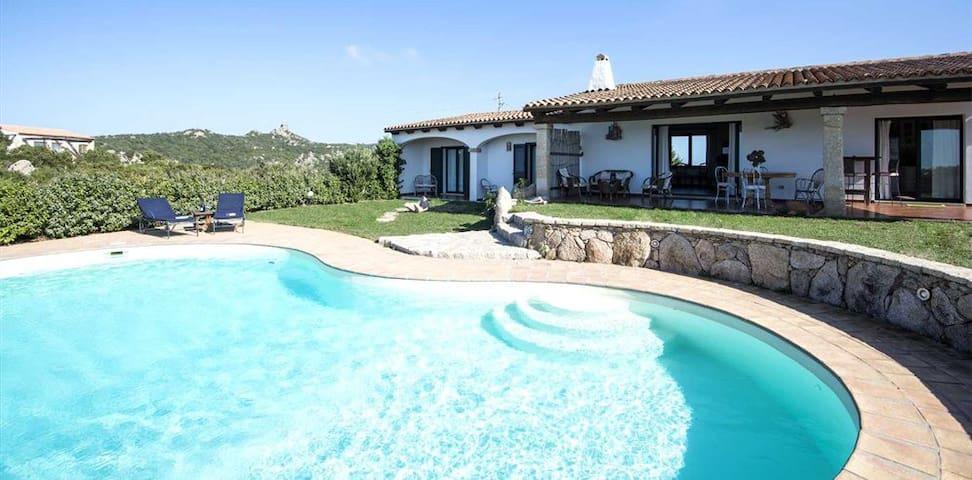 "Villa Monte Moro ""Azzi Russi"" - Santa Teresina - Villa"