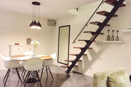 Clean & Cozy Loft near IKEA with 100Mbps Internet - Petaling Jaya - Apartmen