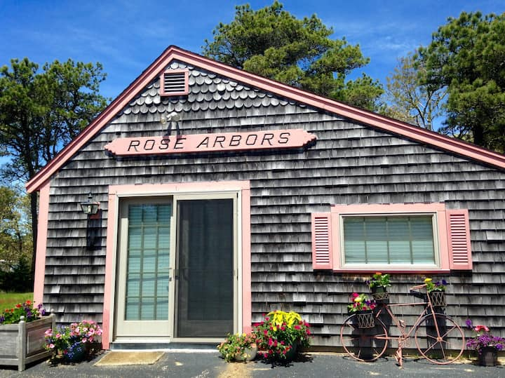 Chatham Rose Arbors Artist Cottage