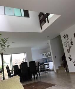 Bellísima casa amplia y cómoda.
