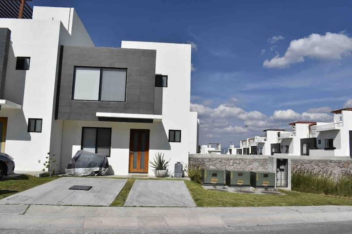 Formidable Casa en Zibatá con todos los servicios