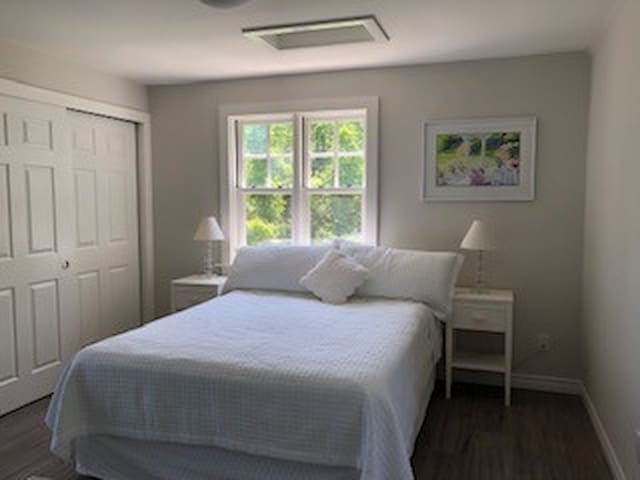 Queen size bed and linens provided