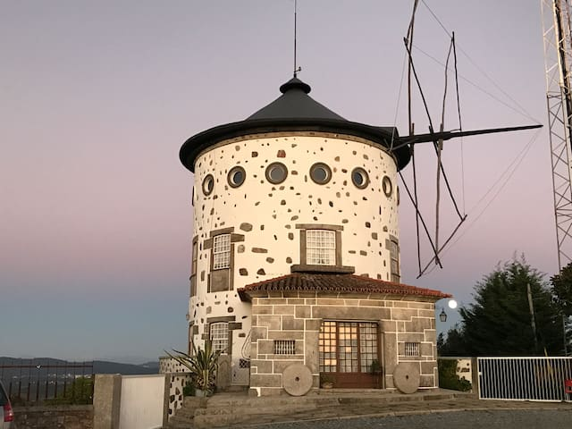 The Moinho House - Unique Windmill House