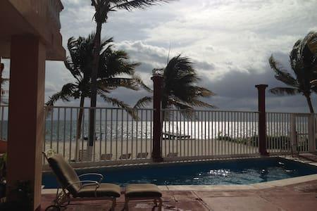 Beachfront  Apartment(PlayaAzul#08) - Cancún - Departamento