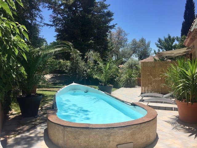 Studio moderne avec piscine privée