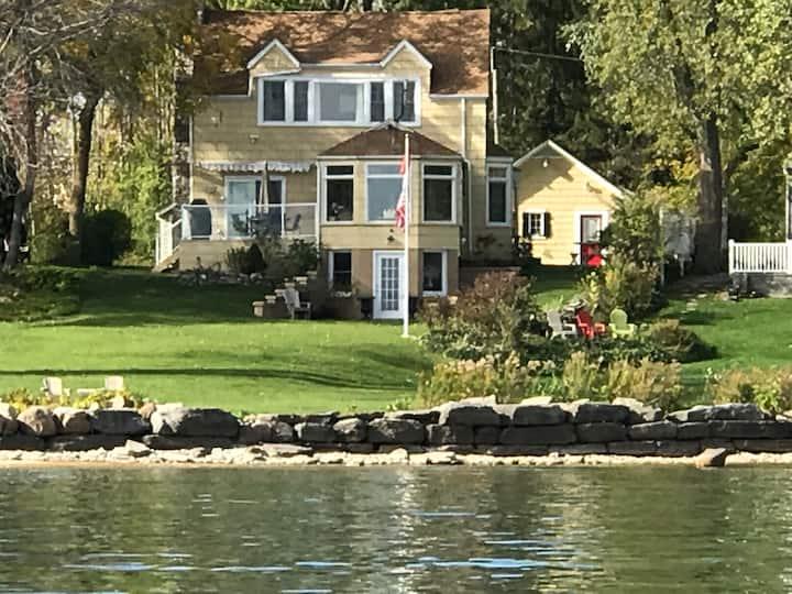 Waterfront! Hendriks Hideaway - The Lakehouse