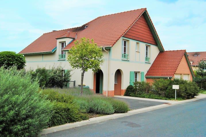 Disney villa, Marne la vallee outlet, 8 pers. - Montévrain - Villa