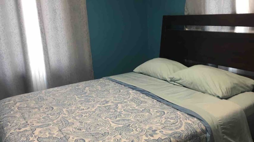 Comfortable Private room number 1 near LAX