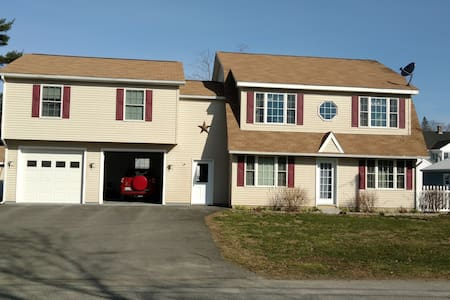Spacious Quiet 2 BRs - Queen + Dbl - Waterville