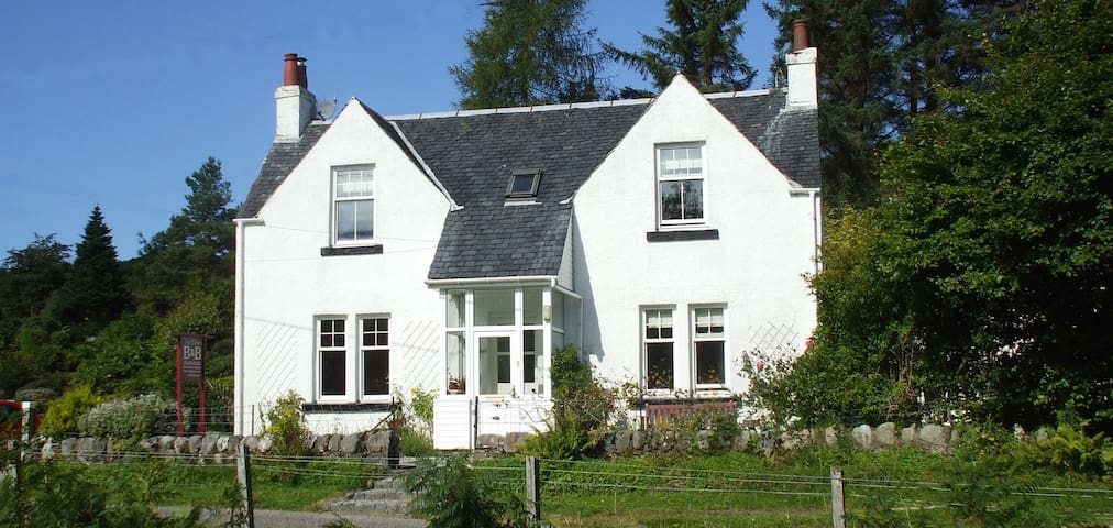 Charming Country Cottage B & B TIGHBHAN - Duror - Bed & Breakfast