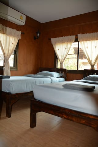 Cozy Stay in Old Town,Chiangmai  (Bungalow 2)