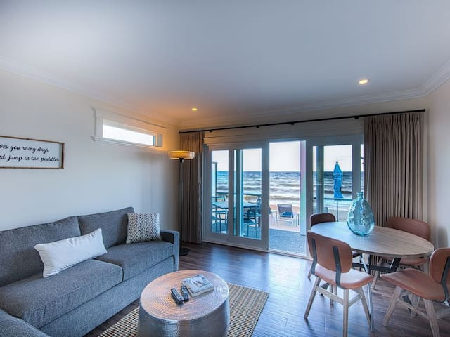 Qualicum Beach Ocean Suites - Suite #2