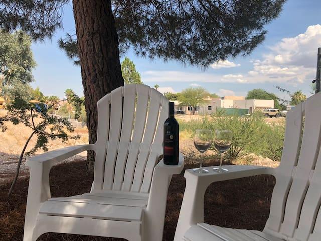 Tranquil Summerlin Las Vegas Cottage. Location!