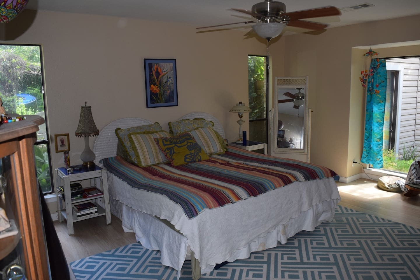 Lovely room with nice, king bed