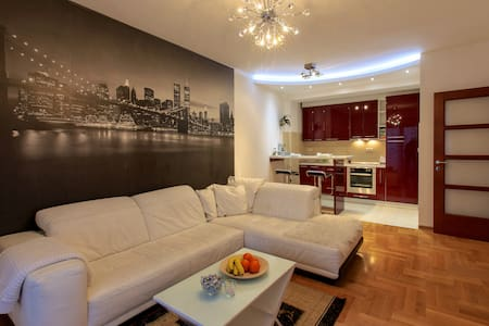 Style Apartment + Garage - Podgorica