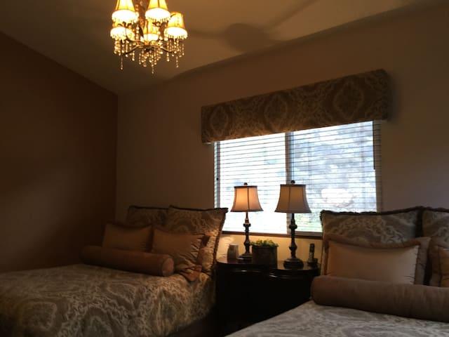 Upstairs double queen bedroom
