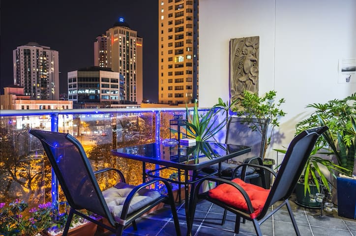 Fortitude Valley - parking+views+wifi & office